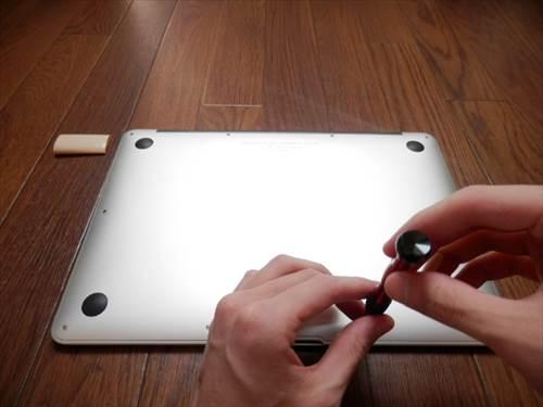 macbook airのホコリ掃除画像